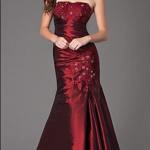 ‼️SOLD‼️on Ⓜ️ NWOT Prom Girl maroon gown